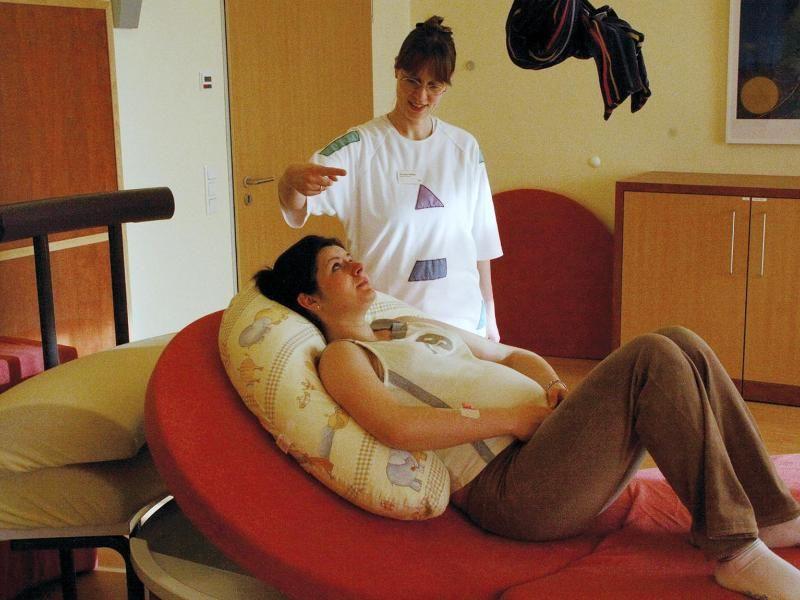 hypnobirthing gegen schmerzen bei der geburt. Black Bedroom Furniture Sets. Home Design Ideas