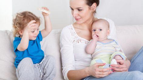Babysitter finden: Checkliste & Tipps zur Babysittersuche