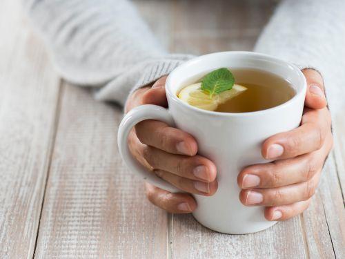 Heiße Zitrone als Hausmittel gegen Erkältung