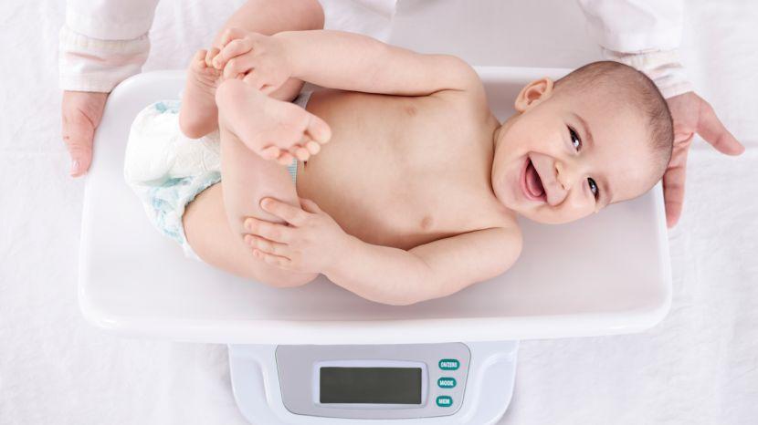 Gewichtstabelle für Babys: Gewicht in den ersten beiden Lebensjahren