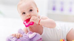 Zahnen bei Babys: Tipps, um dem Baby das Zahnen zu erleichtern
