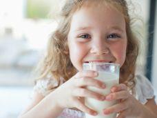Milch und Milchprodukte für Kinder